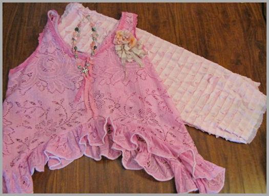 Pink ruffle pants,lg1a